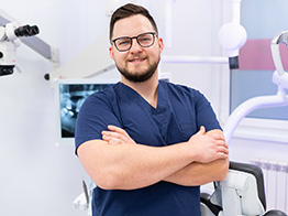 Lekarz Stomatolog Mateusz Walencki - Wamed Katowice